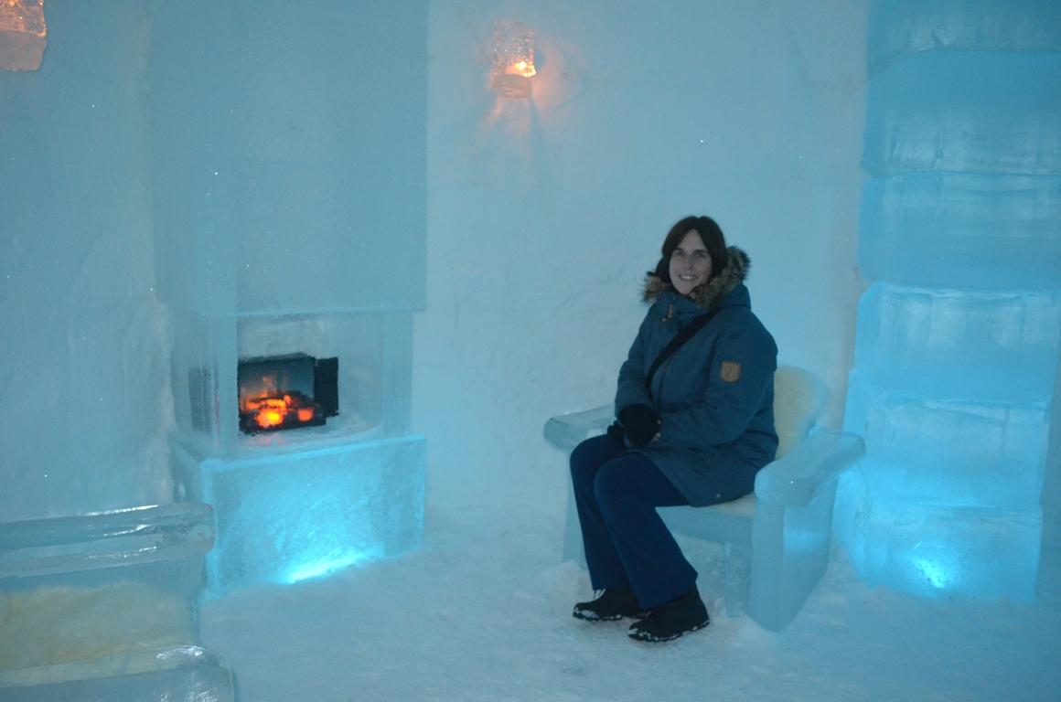 Met mijn Fjällräven-jas in een ijshotel